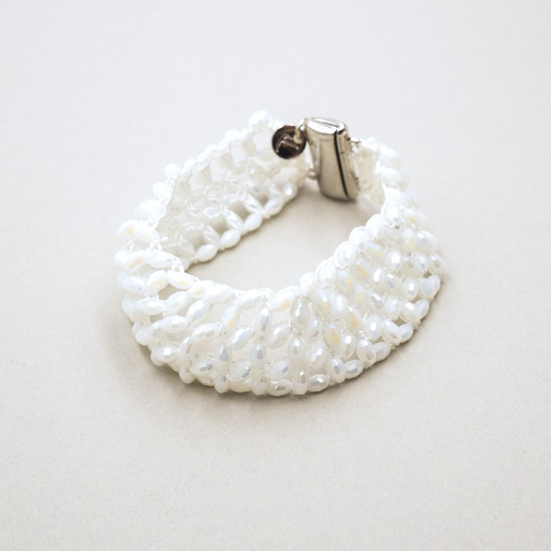 3133c4691627 bransoletka ślubna wykonana ręcznie szydełkowana z kryształkami